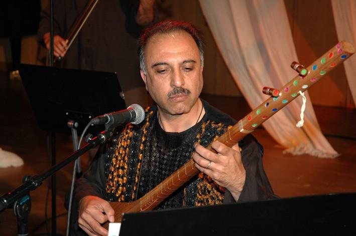 http://www.farda.org/articles/10_updates/100300/wahid_qasimi/wahid_qasimi1.JPG